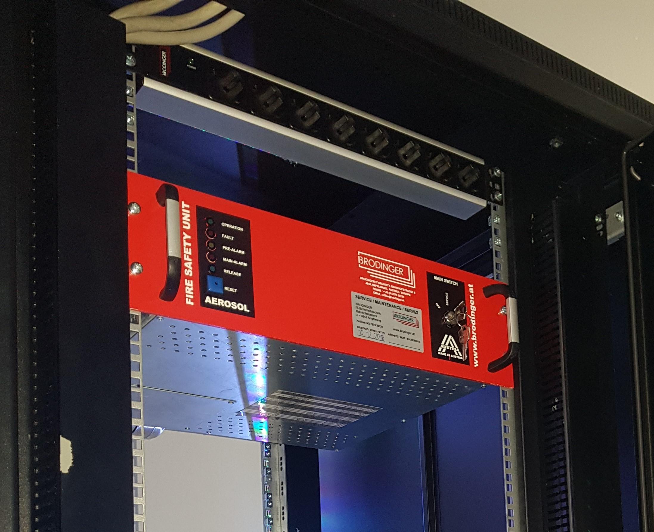 24HE IT-Sicherheitsschrank